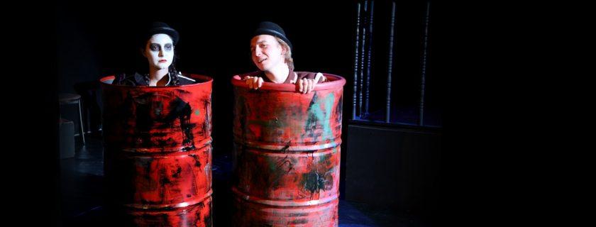 """3. sınıf Tiyatro bölümü öğrencileri """"Aktörün Kabusu"""" oyununu sergiliyor."""